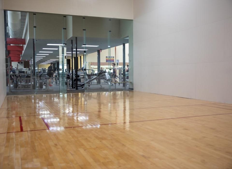 An Image of the Novi, MI Powerhouse Gym Location