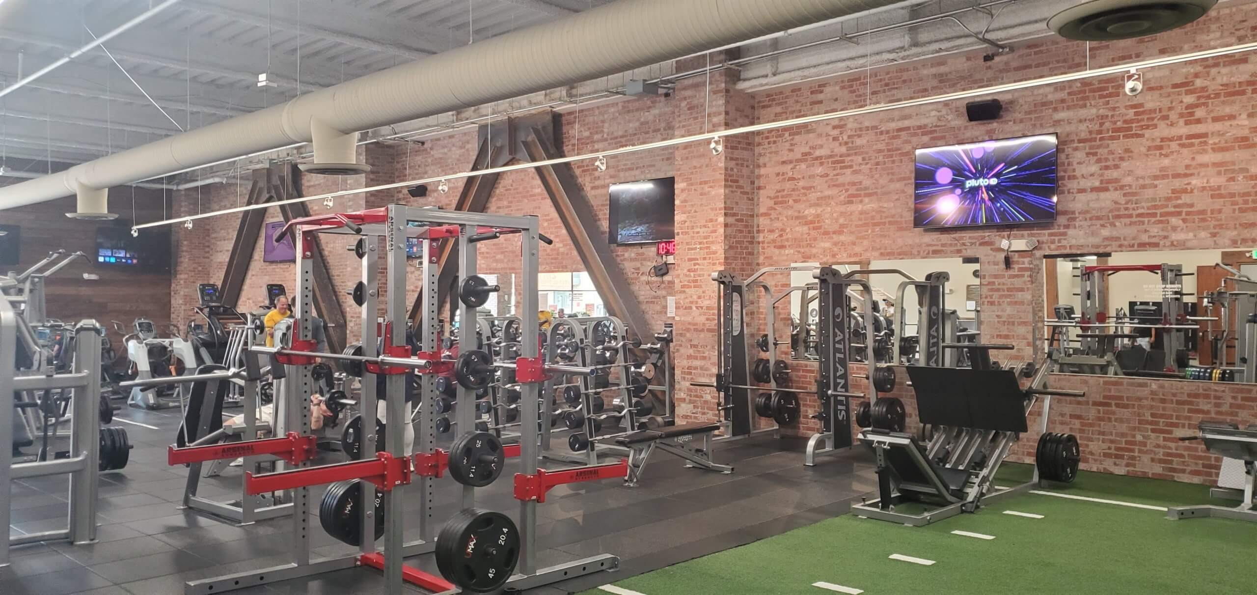 An Image of the Redwood City, CA Powerhouse Gym Location
