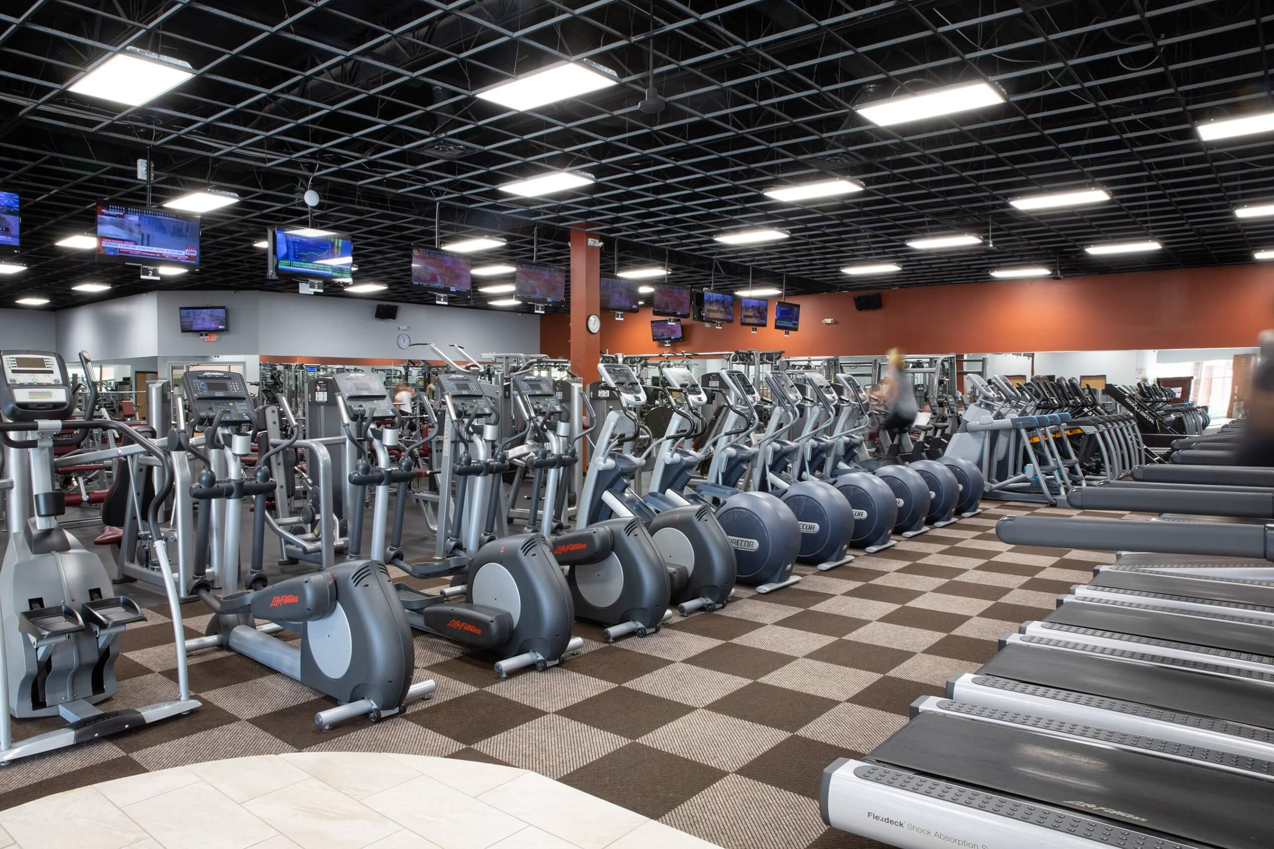An Image of the Clarkston, MI Powerhouse Gym Location